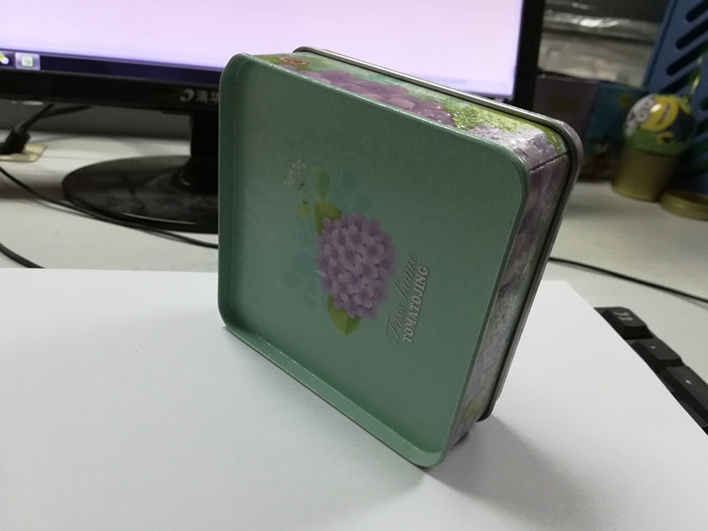 马口铁圆形糖果盒102*102*40mmH